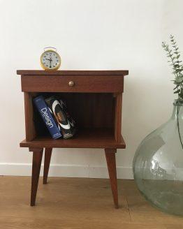 chevet vintage pieds fuseaux