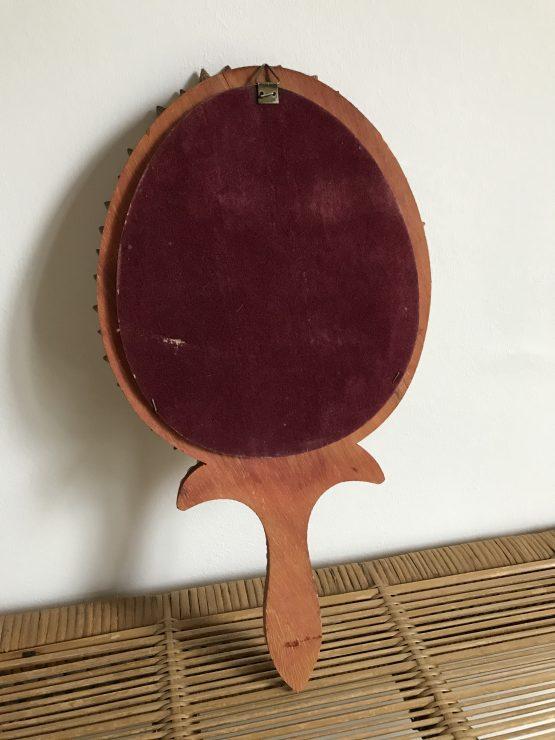 Miroir vintage à main ou suspendre kitsch en coquillages vers 1960