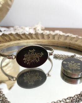 Parure collier et bracelet vintage médaillon inclusion de fleurs séchées