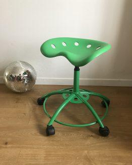 Tabouret siège tracteur vert sur roulettes par Ikea