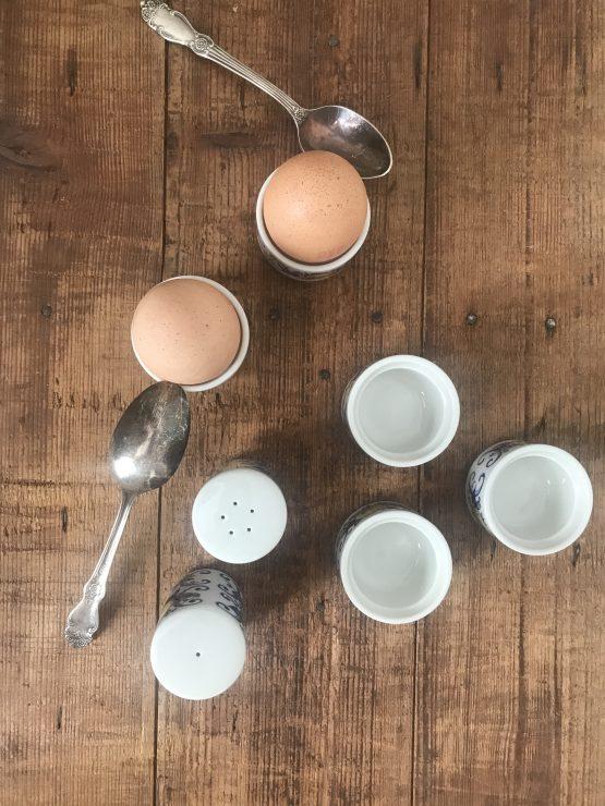 Service à œufs coque CADIZ Villeroy et Boch (5 coquetiers + Salière/Poivrier)