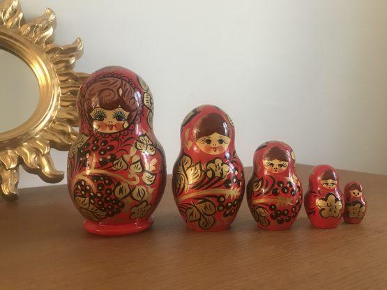 MATRIOCHKA POUPÉE RUSSE ROUGE ANCIENNE MADE IN USSR (5 POUPÉES)